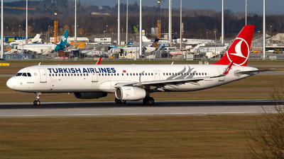 A picture of TCJSY - Airbus A321231 - Turkish Airlines - © Bora Polater