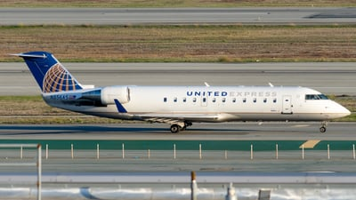 A picture of N856AS - Mitsubishi CRJ200LR - United Airlines - © global_flyer1