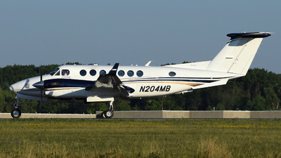 N204MB - Beechcraft B300 King Air 350i - Private