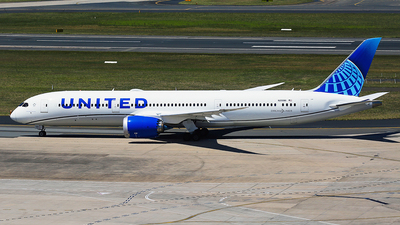 N29981 - Boeing 787-9 Dreamliner - United Airlines