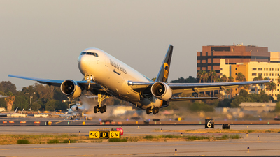 A picture of N368UP - Boeing 767300F(ER) - UPS - © Alex Crail