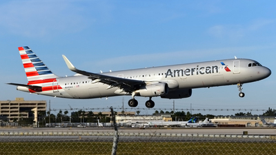 A picture of N910AU - Airbus A321231 - American Airlines - © Doug Marsh