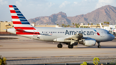 A picture of N748UW - Airbus A319112 - American Airlines - © Alexander Owen