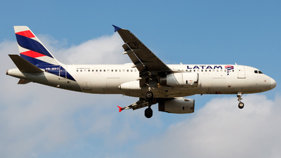A picture of PRMBO - Airbus A320214 - LATAM Airlines - © Antonio Carlos Carvalho Jr.