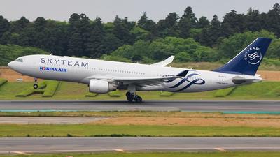 HL8212 - Airbus A330-223 - Korean Air