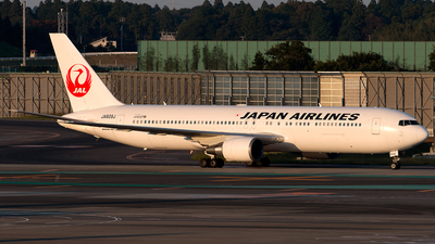 JA609J - Boeing 767-346(ER) - Japan Airlines (JAL)