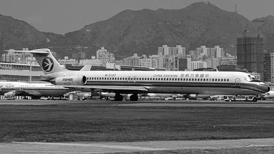 B-2127 - McDonnell Douglas MD-82 - China Eastern Airlines