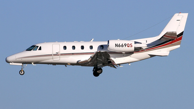 A picture of N669QS - Cessna 560XLS Citation Excel - NetJets - © Eddie Heisterkamp
