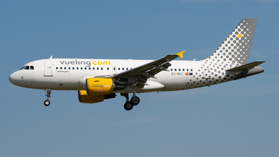 EC-MKX - Airbus A319-112 - Vueling Airlines