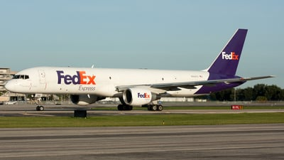 A picture of N994FD - Boeing 75723A(SF) - FedEx - © Ozell V. Stephens Jr.