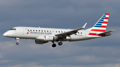 A picture of N117HQ - Embraer E175LR - American Airlines - © Sebastian C
