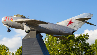 237 - Mikoyan-Gurevich MiG-17 Fresco - Soviet Union - Air Force
