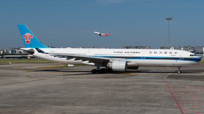 A picture of B5966 - Airbus A330323 - China Southern Airlines - © Mr.Huang