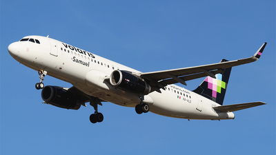A picture of XAVLD - Airbus A320233 - Volaris - © Alejandro Aceves