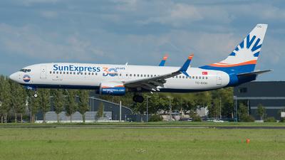 A picture of TCSOG - Boeing 7378HC - SunExpress - © Ricardo de Vries