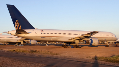 A picture of N516UA - Boeing 757222 - [24860] - © Jeremy D. Dando