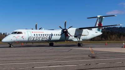 A picture of CGXJZ - De Havilland Canada Dash 8400 - Air Canada - © CJMAviation