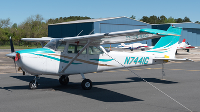 N7441G - Cessna 172K Skyhawk - Private