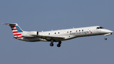 A picture of N822AE - Embraer ERJ140LR - [145581] - © Centex Spotter