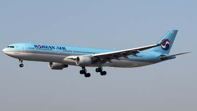 HL8027 - Airbus A330-323 - Korean Air