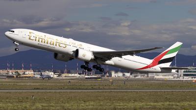 A6-EPM - Boeing 777-31HER - Emirates
