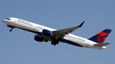 N67171 - Boeing 757-232 - Delta Air Lines