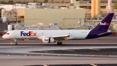 A picture of N953FD - Boeing 757236(SF) - FedEx - © Jeremy D. Dando