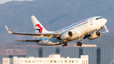 A picture of B5242 - Boeing 73779P - China Eastern Airlines - © Lazy Clutch