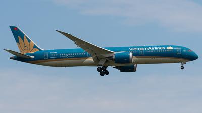 A picture of VNA863 - Boeing 7879 Dreamliner - Vietnam Airlines - © Janson Button