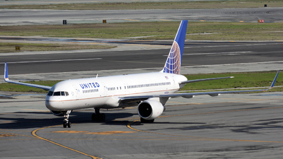 N588UA - Boeing 757-222 - United Airlines