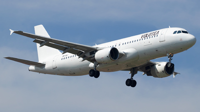 9H-SLI - Airbus A320-214 - Volotea (SmartLynx Malta)