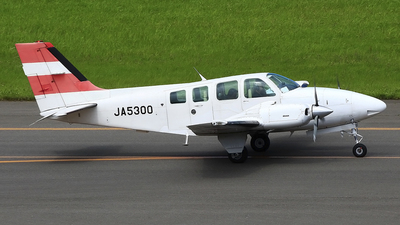 JA5300 - Beechcraft 58 Baron - Private