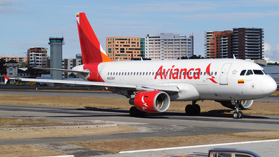 A picture of N422AV - Airbus A319115 - Avianca - © Brian Boche