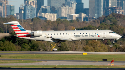 A picture of N718PS - Mitsubishi CRJ701ER - American Airlines - © Yan777