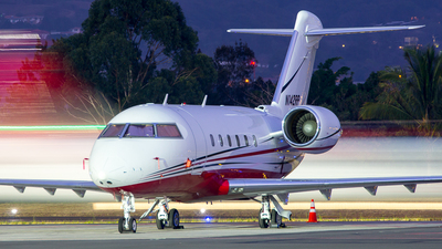 N142RP - Bombardier CL-600-2B16 Challenger 601-3A - Private