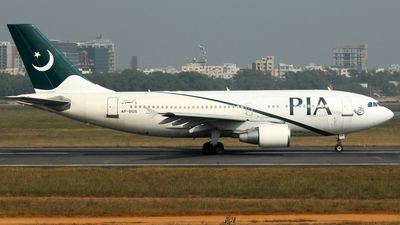 AP-BGS - Airbus A310-324 - Pakistan International Airlines (PIA)