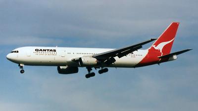 VH-ZXC - Boeing 767-336(ER) - Qantas