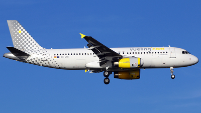 EC-LRE - Airbus A320-232 - Vueling