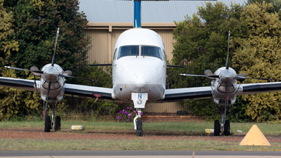 VH-OYV - Beech 1900D - Untitled