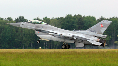 4074 - General Dynamics F-16C Fighting Falcon - Poland - Air Force
