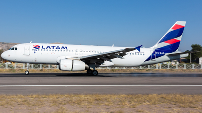 A picture of CCBAD - Airbus A320233 - LATAM Airlines - © Aldo Martinelli