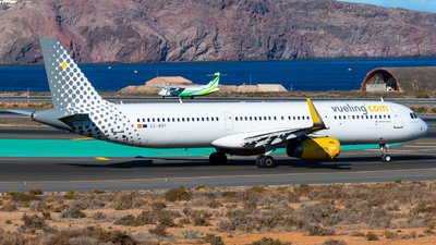 EC-MRF - Airbus A321-231 - Vueling