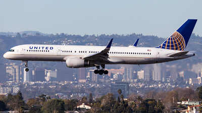 A picture of N14107 - Boeing 757224 - United Airlines - © Brandon Giacomin