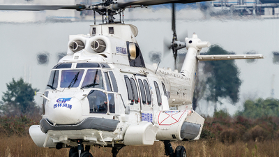 B-707J - Airbus Helicopters H225LP - Sichuan Xiling Fengteng General Aviation