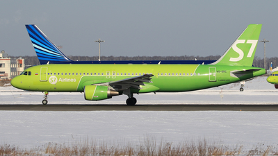 VQ-BRC - Airbus A320-214 - S7 Airlines