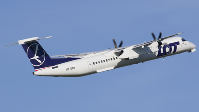 A picture of SPEQB - De Havilland Canada Dash 8400 - LOT - © Rafal Pruszkowski