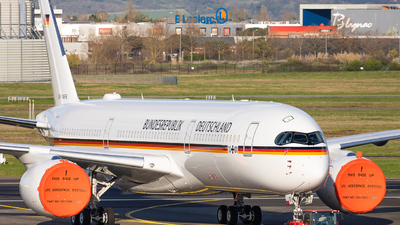10-01 - Airbus A350-941CJ - Germany - Air Force