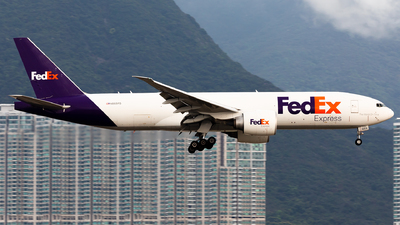 A picture of N869FD - Boeing 777FS2 - FedEx - © Nestor Hung