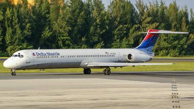 N912DE - McDonnell Douglas MD-88 - Delta Shuttle