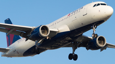 A picture of N369NW - Airbus A320212 - Delta Air Lines - © M.R. Aviation Ph